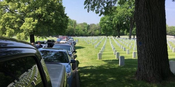 A Vietnam Vet Faced An Unaccompanied Burial. Strangers Found His Family — And Showed Up In Droves