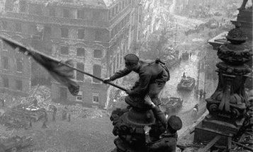 Russian WWII Theme Park Lets Kids Fight The Battle Of Berlin