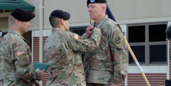 'Warrior' Chaplain Honored For Taking Down Machete-Wielding Suicidal Soldier