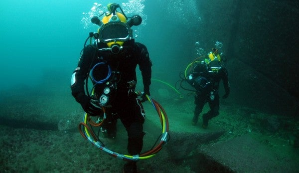 This Navy Diver's Story Of Disorientation 190 Feet Down Is Full Of Nope