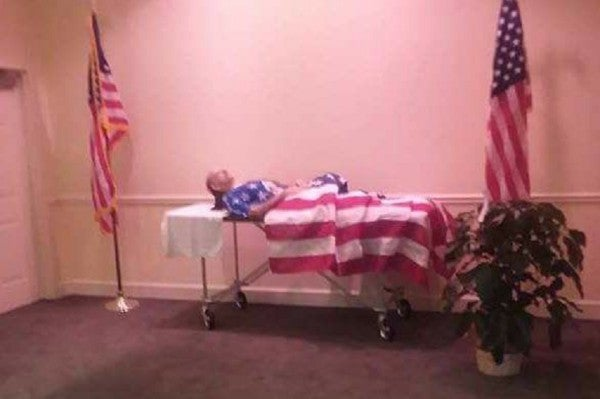 This Viral Photo Of A Veteran Without A Coffin Sparked Outrage, But It Doesn't Tell The Whole Story