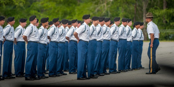 18 Women Graduate From Army's Enlisted Infantry Training