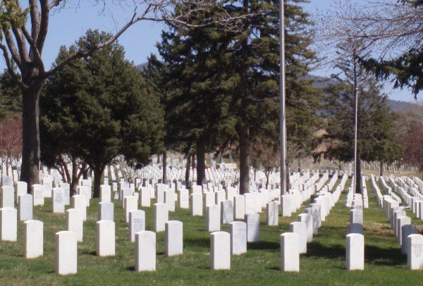 Hundreds Of People Attended The Burial Of Vets Whose Remains Went Unclaimed