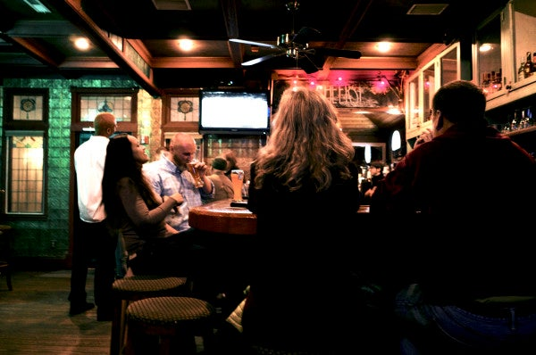 An Army Interrogator's Tips For Picking Someone Up At A Bar