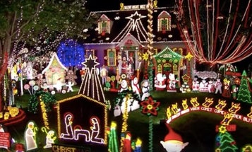 This Navy Vet's Christmas Decorations Will Put Yours To Shame