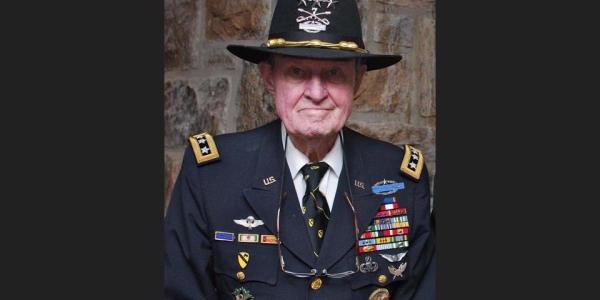 Retired Lt Gen Hal Moore, Depicted In 'We Were Soldiers,' Dies At 94