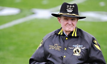 Legendary Soldier Hal Moore Will Be Laid To Rest With A Public Funeral
