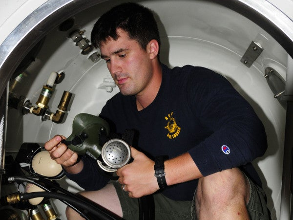 UNSUNG HEROES: The Navy Diver Who Died Trying To Save A Fellow Sailor When A Training Dive Went Wrong