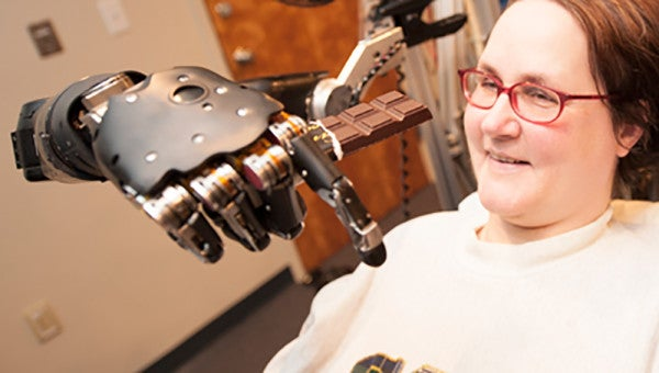 DARPA Technology Allows Paralyzed Woman To Fly A Simulated Plane With Her Mind