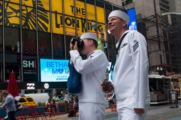 The Task & Purpose Unofficial Bar Guide For New York's Fleet Week
