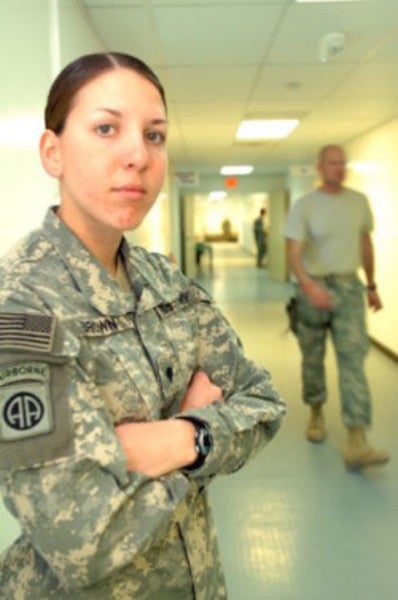 UNSUNG HEROES: The Female Soldier Who Provided Crucial Medical Treatment Under Mortar Fire
