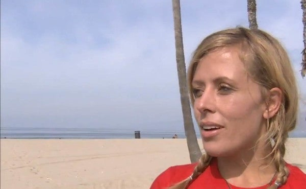 Meet The Woman Running Barefoot From LA To NYC For To Raise Money For Veterans