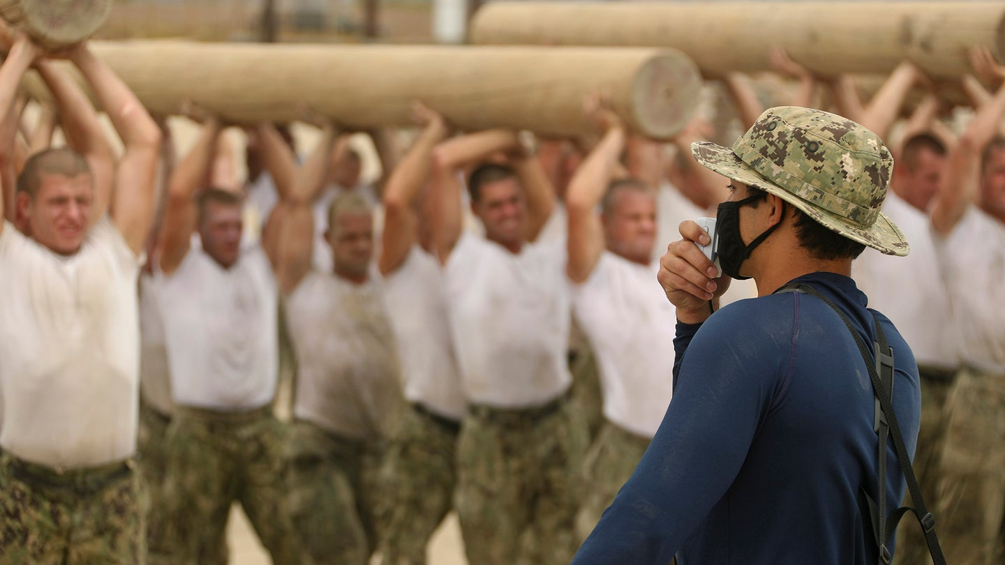 SEAL Candidates Train with Logs