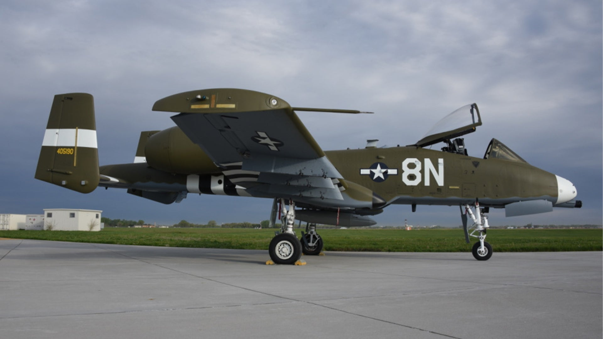 This A-10's new paint job pays tribute to the original flying tank of World War II