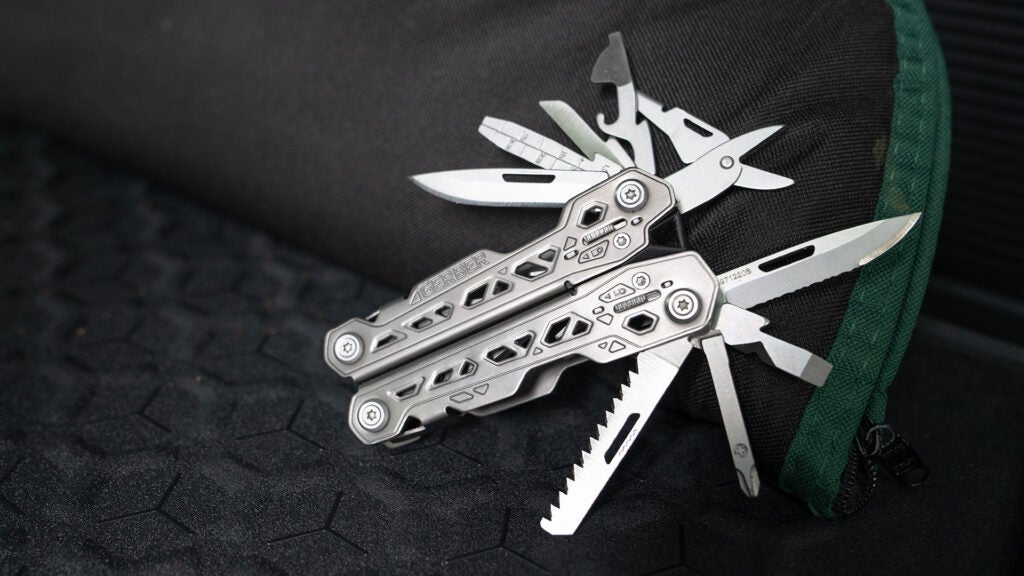 Review: Is the inexpensive Gerber Truss worthy of your EDC?