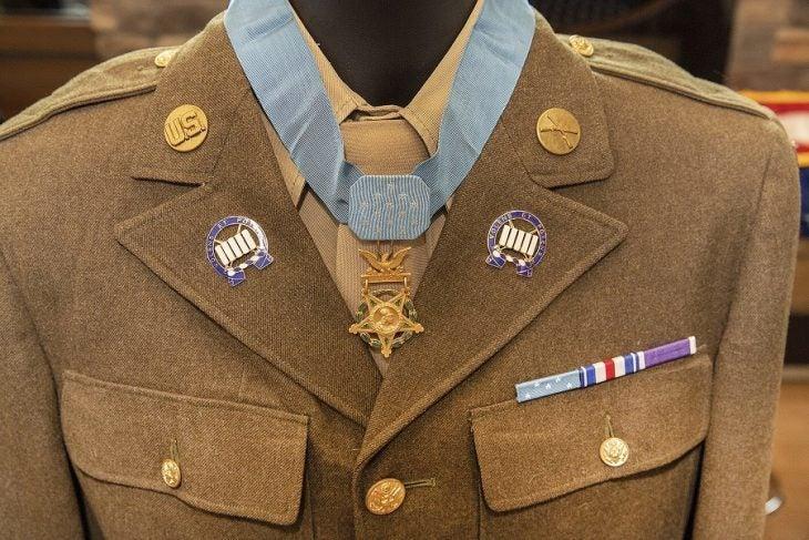 Floyd Lindstrom, Medal of Honor