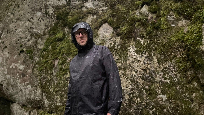 Outdoor Research Men's Motive AscentShell Jacket