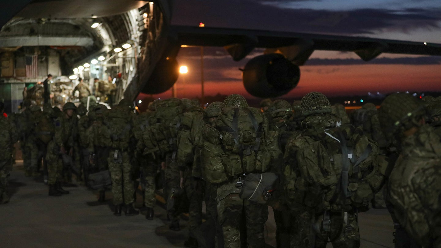 Biden deploys another 1,000 paratroopers to aid Kabul