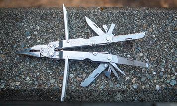 Review: 16 years with the SOG PowerLock multitool