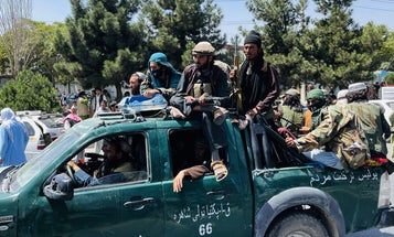 Americans and Afghans trying to get to Kabul airport have to get past the Taliban first